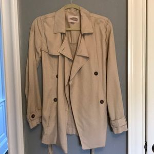 Beige Cropped Trenchcoat
